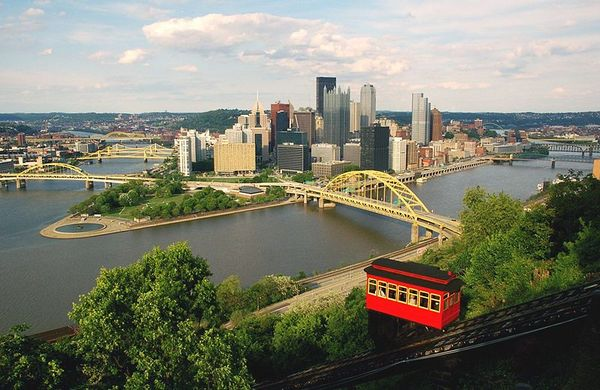 800px-Pittsburgh_skyline_view